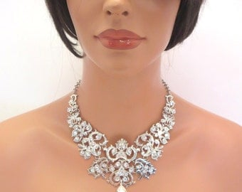 Bridal statement necklace, Crystal Wedding necklace, wedding jewelry, rhinestone necklace, Swarovski crystal necklace, bib necklace
