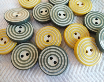 Bullseye Vintage Buttons - 6 Mid Century Sage Green Your Choice of 5/8 or 7/8 inch 15mm 23mm for Jewelry Beads Sewing Knitting
