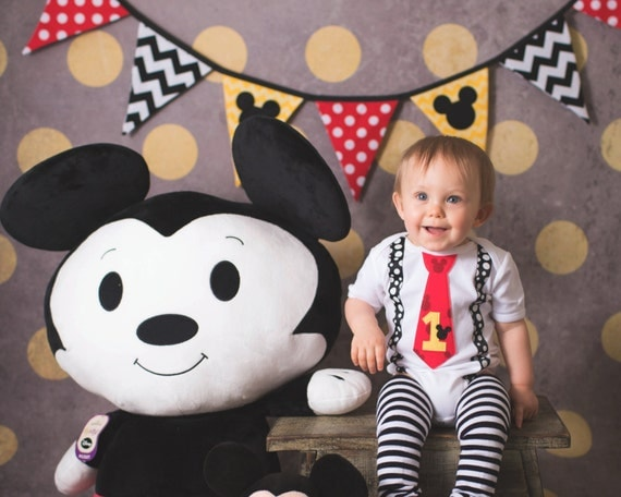Primer cumpleaños Mickey Mouse niño corbata Body por WeChooseJoy