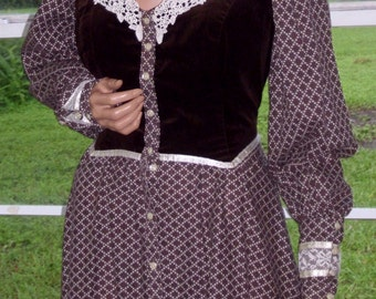 Gunne Sax Boho Dress Lace, Velvet and Calico in a Rare Large