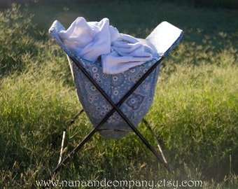 Vintage Laundry Basket on Wheels - Retro - Laundry Day - Fabric Bag  - Collapsible Cart - Very Good Condition