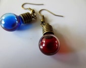 Mana and Health potion earrings, rpg inspired jewelry, Video games cosplay, diablo inspired, Uneven, miniature bottle earrings