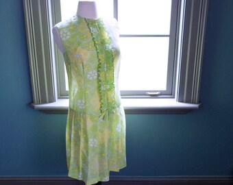 Vintage drop waist summer MOD DRESS / scooter dress  / 60s 1960s lawn garden party / iconic TWIGGY dress