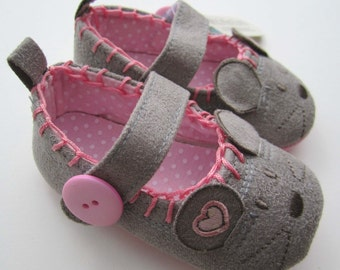 Little Grey Mouse Baby Shoes, Baby Booties, Mouse Shoes ,Pink Infant Shoes, Grey Crib Shoes, Mary Janes, Soft Sole Baby Shoes, Baby Slippers