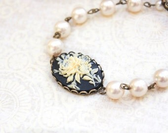 Ivory Pearl Bracelet Black Cameo Bracelet Bridesmaids Jewelry Romantic Rose Bracelet Flower Cameo Vintage Style Jewelry Bridal Accessories