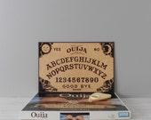 vintage ouija board with box / talking board set / complete / evil creepy halloween decor