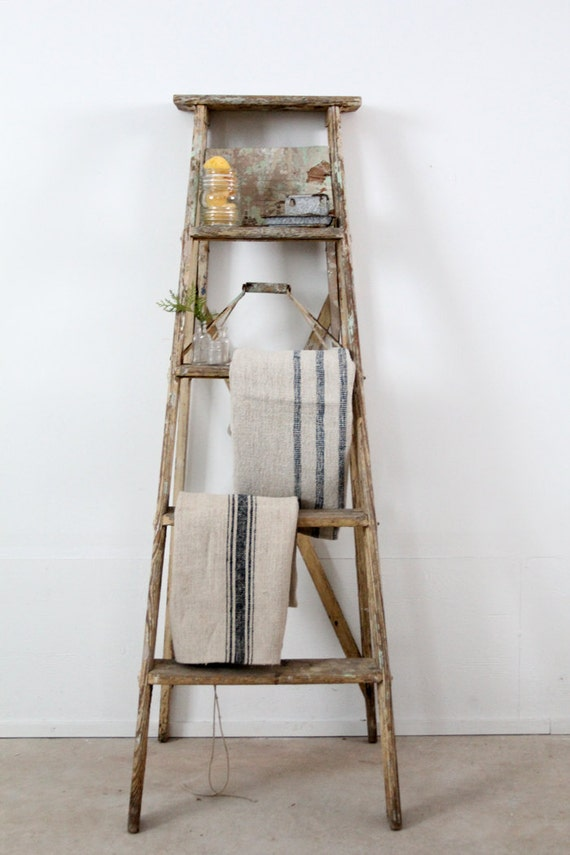 Echelle En Bois Vintage : Old Wooden Ladder