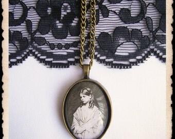 victorian cameo necklace