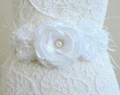 White bridal sash Wedding dress sash Bridal belt Wedding sash Wedding belt Flower sash Flower belt White flower sash Wedding dress belt