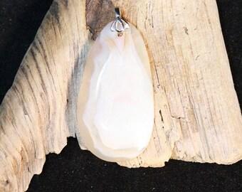 Oval shaped Madagascar Agate Pendant - Item 927
