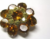 Vintage Golden Topaz & Citrine Rhinestone Round Brooch in Gold tone Metal