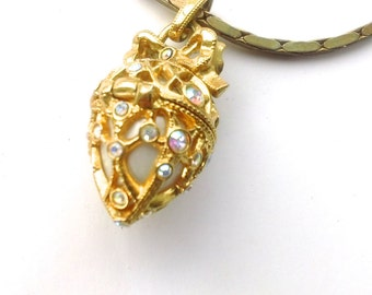 Joan Rivers Queen of Romania Locket Pendant Necklace Retro Gifts Fashion Jewelry Accessories