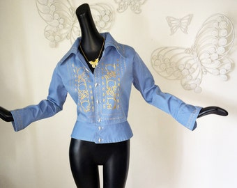 Vintage 70s Groovy Embroidered Jacket 1970s Hippie Boho Top Ethnic Medium Blue Chambray Denim All Cotton Faux Ivory Bone Buttons Size Medium