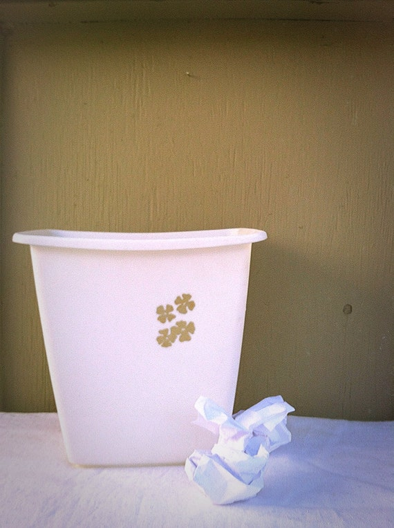 White trash can rubbermaid plastic by godsavestrawberryjam for Gold bathroom wastebasket