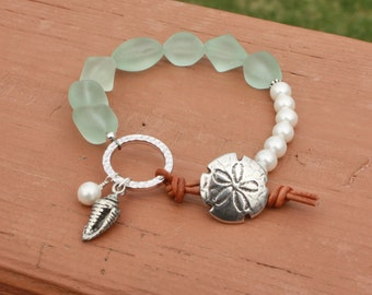 Shell Pearl and Pale Aqua Recycled Glass Beads Bracelet, Beach Jewelry, Boho Jewelry, Beach Boho