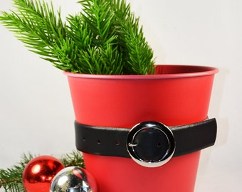 Red Metal Buckets/ Vintage Christmas Decorations / Outdoor Candle Holders / Red Planters / Collection of 5