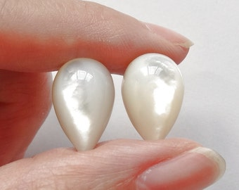 White Mother of Pearl MOP Upside down Half Drilled Acorn Drops 10x16 mm One Pair J5719