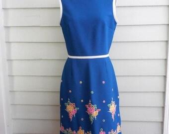 1970s Bleeker Street dress / Sleeveless dress with flower embroidery / Medium - Large vintage dress