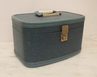 Vintage Blue Train Case Suitcase Travel Smart
