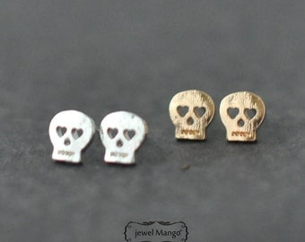 Skull stud Earrings - gold or silver, silver Skull stud, gold Skull stud, post earrings, Skull Ear Studs, day of the dead,