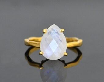 Rainbow Moonstone Ring, Tear drop Ring, prong set ring, June Birthstone Ring, Gemstone Ring Stacking Ring Statement Gold Ring bridal jewelry