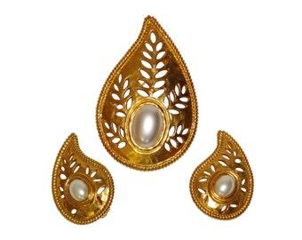 LANVIN 1980s Vintage Set Clip-On Earrings Brooch Gilt Metal Faux Pearls Cut-Outs