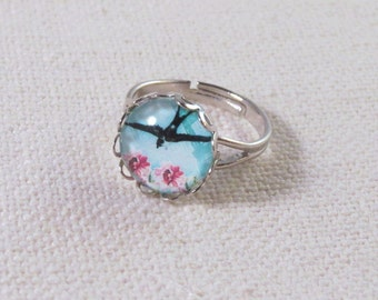 Swallow Ring, Vintage Look Romantic Floral, Silver Adjustable Ring, Lace Setting