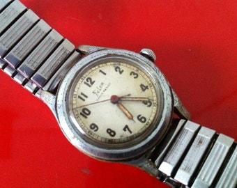 Fabulous Felca, World War II Felca WWII 1940s 17J Swiss Watch - Sweep Second - Champagne Dial - Felca Mechanical Men's Swiss Watch