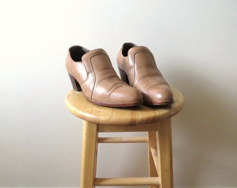 Vintage Cowboy Ankle Boots Tan Taupe Leather Southwestern Country Chic Made in Canada 1990's Women's Size 8