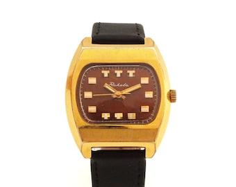 Vintage men's watch, mechanical wrist watch RAKETA 19 jewels, TV case watch 70s for men