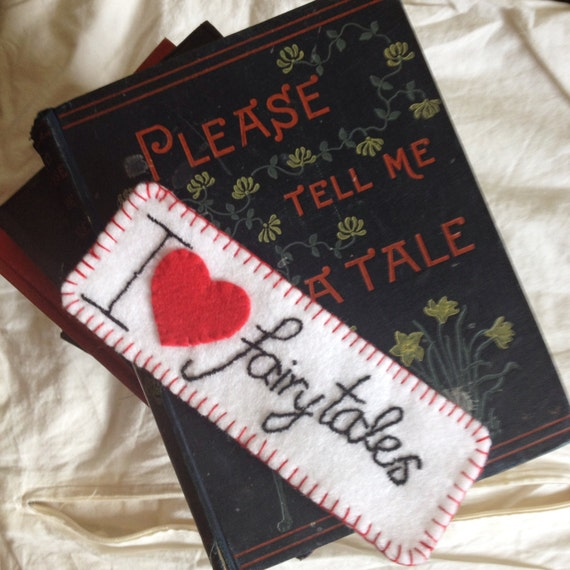 Unique Bookmark for Booklovers/Bedtime Stories/Diary/Bookworms/Fairytales/Thrillers/ Sci-Fi/ Romance. Ideal stocking filler for Christmas