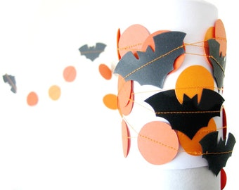 Bat Circle Garland - Orange and black Halloween garland, Bat garland, Circle Garland, Halloween decorations