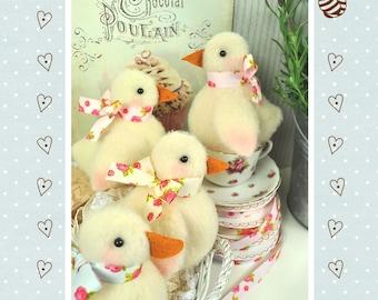 PDF - Shabby Chicks Felt Pattern - Easter Decorations