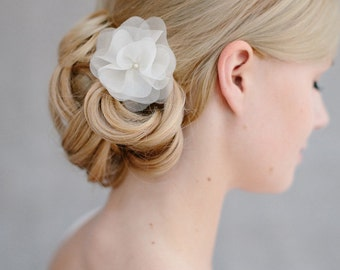 "Bridal Silk Flower, Wedding Hair Flower - ""Florentine petit"""