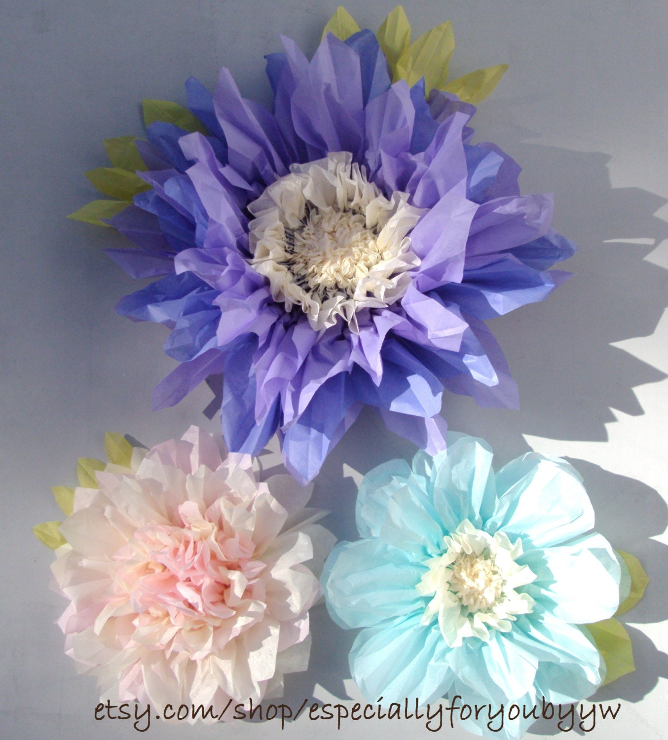 Flower Decorations: Set Of 3 Giant Paper Flowers Lilac Perfect Decorations For