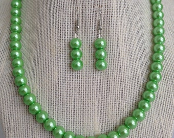 Lime Green Pearl Necklace, Lime Green Wedding Jewelry, Bridesmaid Gift, Lime Green Wedding, Bridesmaid Jewelry, Green Wedding Jewelry
