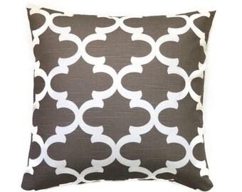 Brown Trefoil Pillow Cover, 18x18 Pillow Cover, Decorative Throw Pillows, Cushion Cover, Modern Accent Pillow, Fynn Spirit Brown Slub
