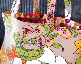 Vintage Floral Fabric Handbag - Retro 70's Shape with Great Colors!