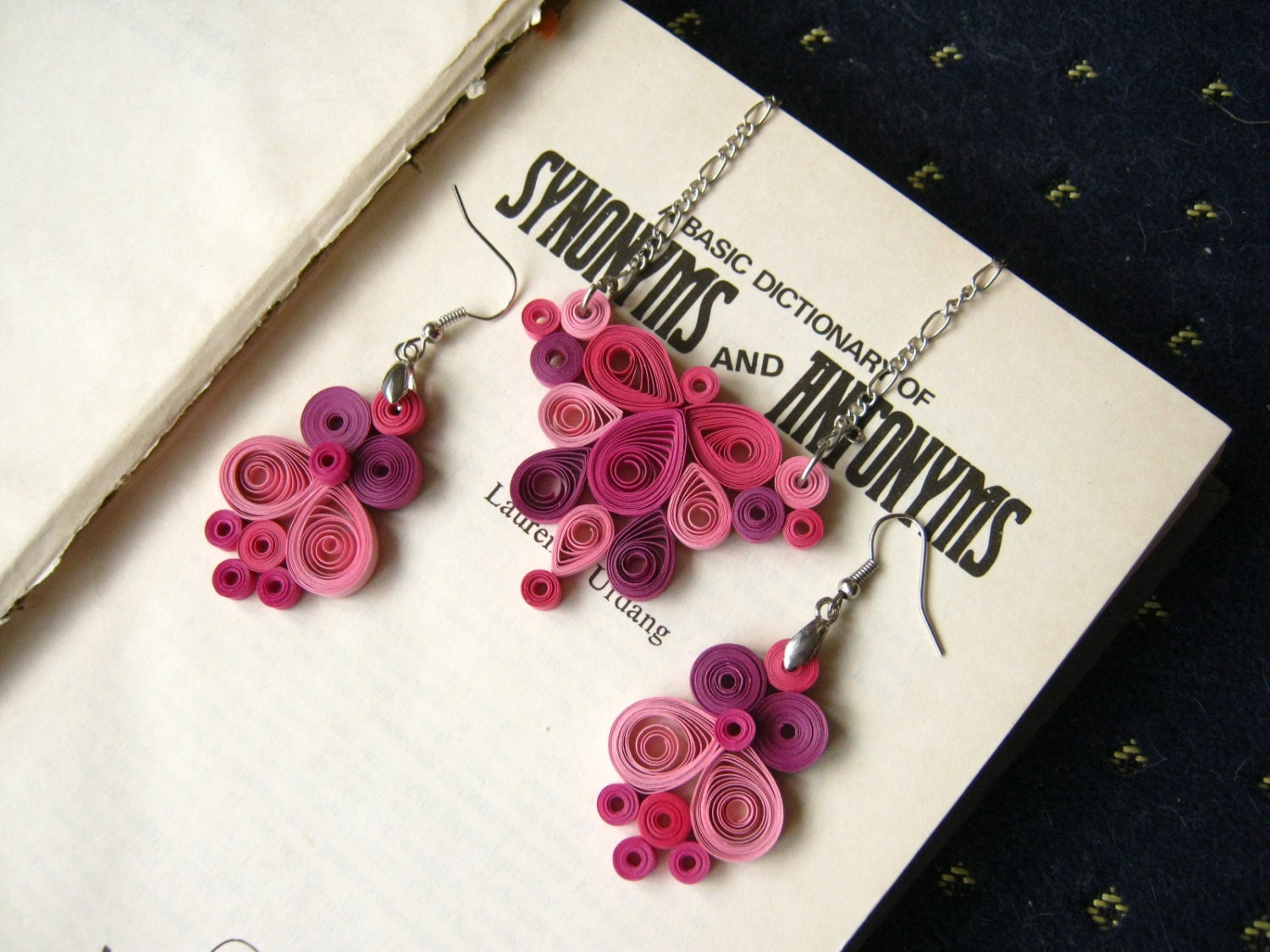 First anniversary gift for her Paper necklace and by SbirOtak