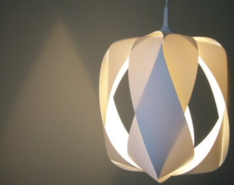 white lamp QUEEN OF DIAMONDS