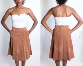 Winter SALE! Vintage 1970's Brown Suede Skirt / G-III New York / Pockets / A-Line / Dead Stock / Dart Panels / Size Small / Circle Skirt