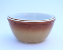 JAJ Pyrex Brown ombre nesting mixing bowls.  Made in England. Crown Pyrex, Autumn Gold, Old Orchard.