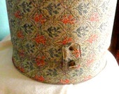 1960's floral wig/hat box