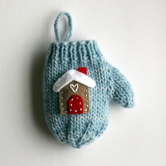 Knitting Pattern For Mini Mittens : Knitting PATTERN / Christmas Decoration / Mini Mitten Ornament / Heart / Knit...