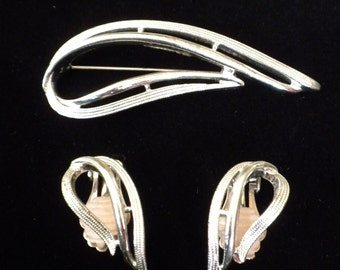 Sarah Coventry Silver  Pin And Earrings Vintage Sarah Coventry And Earrings