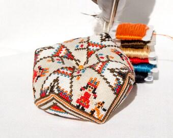 Native American Girl Biscornu - PDF CHART Cross Stitch Pattern / biscornu pattern Instant Download