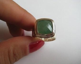 Sterling Silver Green gemstone Ring size 7
