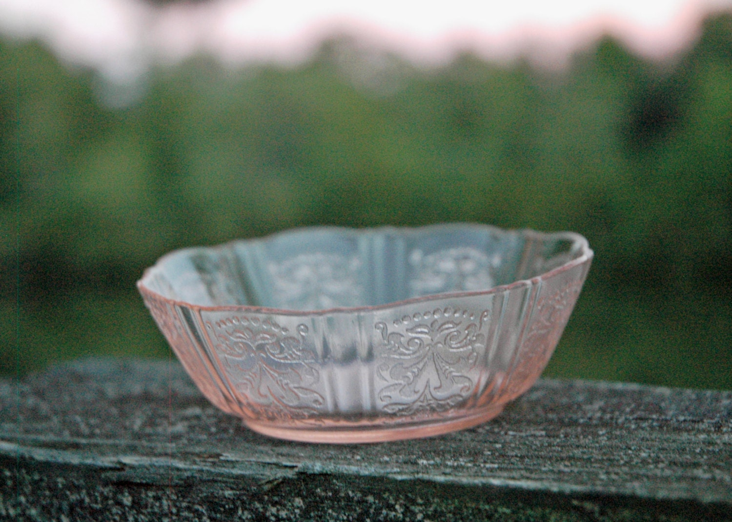 Sale rare pink american sweetheart flat berry bowl for Most valuable depression glass patterns