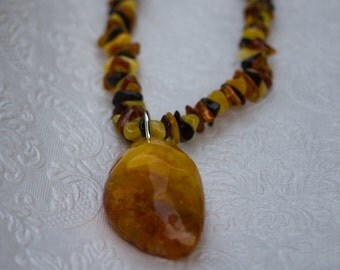 Amber Necklace with Amber Pendant