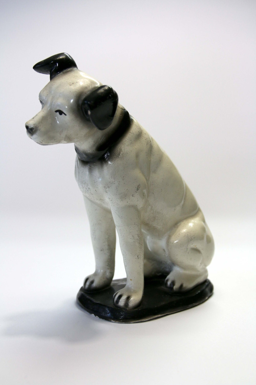 What Is The Name Of The Rca Victor Dog